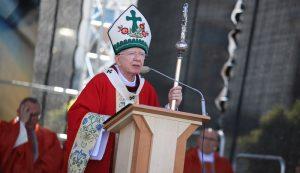 Arcybiskup Jędraszewski: Zamach na życie małżeńskie i rodzinne sięga dziś jeszcze bardziej głęboko