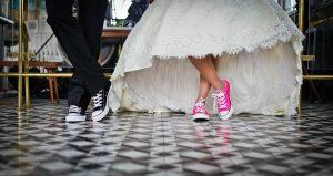 Zamężne, tradycyjne i pobożne kobiety są najszczęśliwsze. Potwierdzają to badania